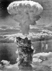 175px-Nagasakibomb.jpg